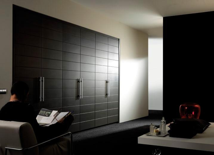 puertas-abatibles-madera-armario-vestidor-64167-1801187